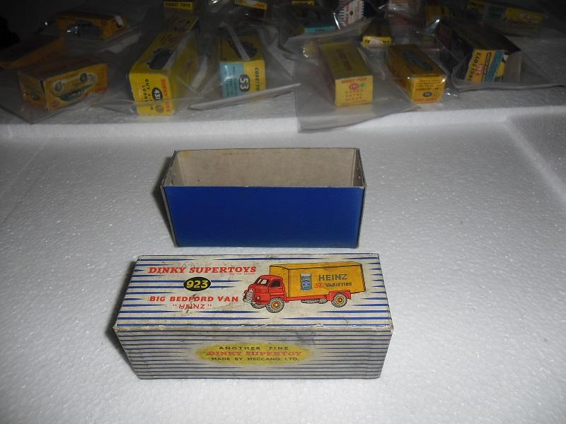 9 923 Box 1